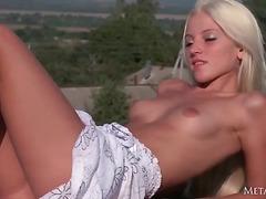 Porno: Tinejgjerkat, Striptizerka