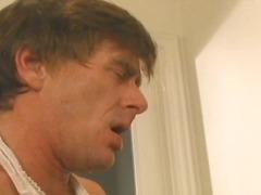 Порно: Шмукање, Свршување, Бринета