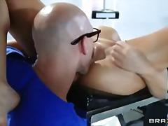 Porno: Sani Uriasi