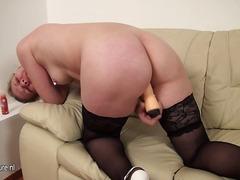 Porno: Lezbi, Iri Döşlü, Ağ, Yaşlı