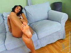 Porno: Lezbi, Özünü Reklam, Corablı, Ağır Sikişmə