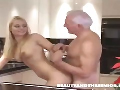 Porno: Kişi, Yeniyetmə, Lezbi, Yaşlı