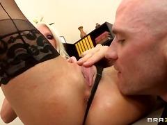 Porno: Ağır Sikişmə, Böyük Döşlər, Çalanşik, Neylon