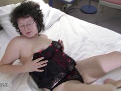 Порно: Мокри, Големи Цици, Клитори, Лесбийки