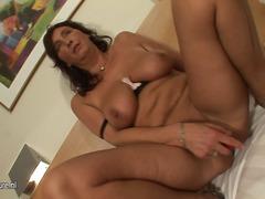 Porn: निप्पल, नकली लंड, निर्दयी, अधेड़ औरत