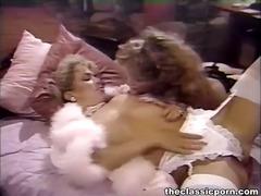Porno: Nahý, Velký Prsa, V Posteli, Zralý Ženský