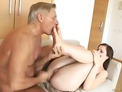 Porno: Ağır Sikişmə, Anal, Fetiş, Kürən