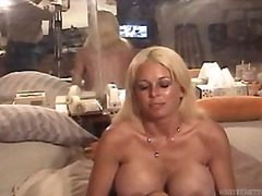 Porno: Cicëmadhet, Loqkat