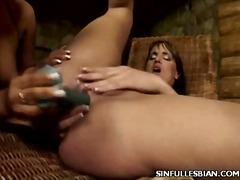 Porn: Lezbijka, Rjavolaska, Igrača, Analno