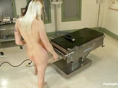 Porno: Masturbime, Lezbiket, Me Lojëra, Hardkorë
