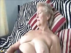Porno: Qoca Nənə, Oyuncaq, Masturbasya