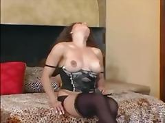 Lucah: Ibu Seksi, Nilon, Stokin, Buah Dada Besar