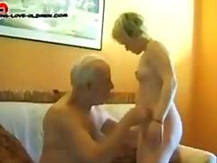 Pornići: Plavuša
