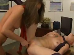 Porno: Tīņi, Skūpsti, Dildo, Lesbietes