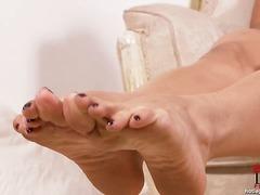 جنس: لاتينيات, فتشية, حب الأرجل, السمراوات