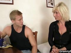 Porno: Bjondinat, Me Përvojë, Hardkorë