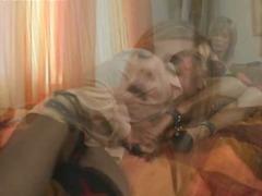 ಪೋರ್ನ್: ಬೆತ್ತಲೆ, ಎದೆ ತುಂಬಿದ