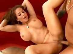 Porno: Yaraşıqlı, Sulu, Təbii Döşlər, Uzun Sik