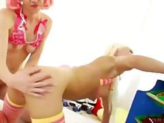 Порно: Лесбійки, Блондинки, Іграшки, Дупа