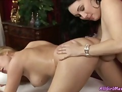 Porno: Lezbiket, Anale, Milf, Ma Shiko Nga Afër