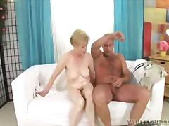 Porno: Ağır Sikişmə, Çalanşik, Yaşlı, Sarışın