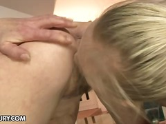 Porno: Abuelita , Piercing, Madura, Tetas Grandes