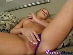 Porno: Rubia, Solo, Masturbándose