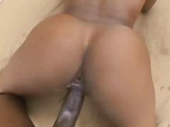 Porno: Qaralar, Çöldə, Ağır Sikişmə, Iri Döşlü