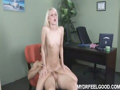 Porn: किशोरी, सुनहरे बाल वाली, बड़े स्तन