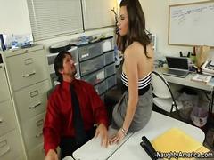 جنس: قضيب كبير, نهود كبيرة, صهباوات, قبلات