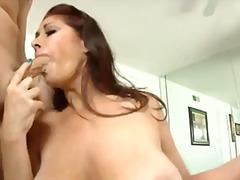 Porno: Seno Prosperoso, Cazzo In Bocca, Rosse