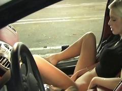 Porno: Blondid, Loomulikud Rinnad, Hämmastav, Teismeline