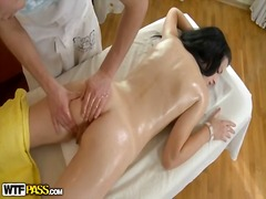 Porno: Grupas, Orālais Sekss, Anālais, Brunetes