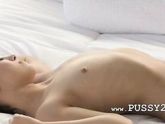 Porno: Masturbeerimine, Brünetid, Beib, Lesbi