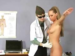 Phim sex: Làm Nhục, Bác Sĩ, Âm Đạo, Đồ Hỗ Trợ