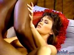 Porno: Ndër Racore, Sperma Shkon Zhag, Zeshkanet, Hardkorë