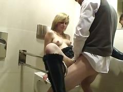 Porno: Avalikus Kohas, Anaal, Grupikas, Suhuvõtmine