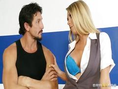 Porno: Tieten, Blond, Klaarkomen Op Het Gezicht, Rondborstig