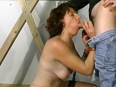 Porno: Brunetės, Plekšnojimas, Fetišas