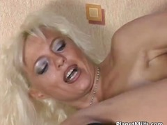 Porn: Dildo, Pička, Blondinka, Milf