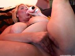 Porn: खिलौना, खूबसूरत विशालकाय महिला