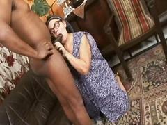 Porn: अंदर तक, काम करना, अधेड़ औरत, मुखमैथुन