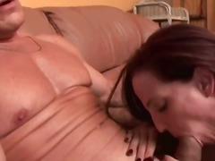 Porno: Mājsaimniece, Orālais Sekss, Orālais Sekss, Pusmūža Sievietes