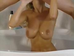 Порно: Лесбійки, Басейн, Поцілунки, Полуничка