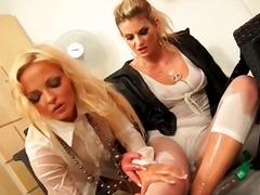 جنس: فتشية, بنات جميلات, نكاح اليد, سحاقيات