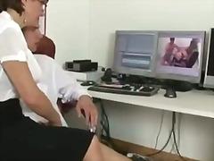 Porn: कामोत्तेजक, बंधक, अधेड़ औरत