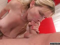 Porn: मुखमैथुन, चूंचियां, अधेड़ औरत
