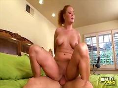 Porn: Տղաներ, Խաղ, Պլոր, Առաջին