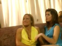 Porno: Meitenes, Dīvāns, Sišana Pa Dibenu, Piedauzīgie