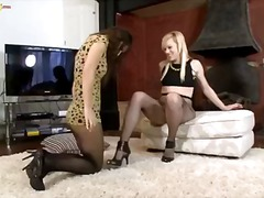 Porno: Masturbándose, Nylon, Oral, Castañas